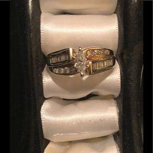 💥1-DAY FLASH SALE💥EUC Diamond Wedding Ring Set.